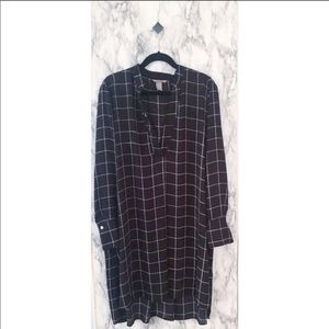 H&M Plus Black and White windowpane Top